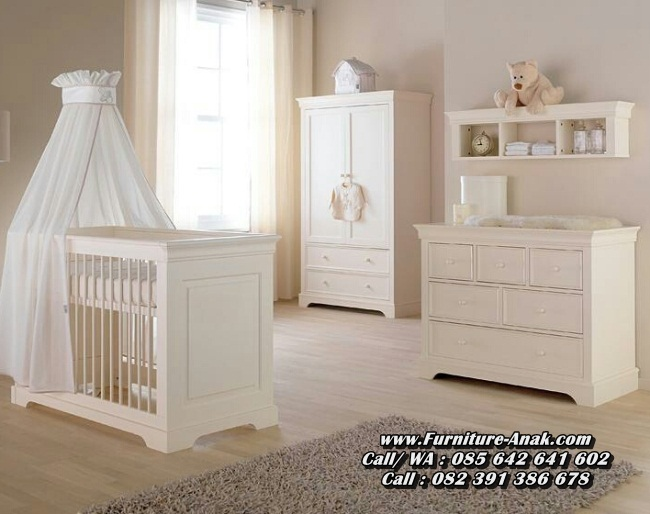 Tempat Tidur Bayi Kayu Warna Putih