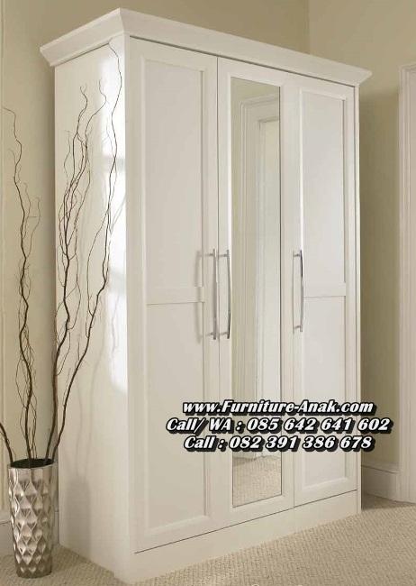 Lemari Pakaian Minimalis Modern 3 Pintu