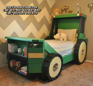 Tempat Tidur Anak Karakter Bentuk Mobil