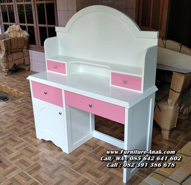 Meja Belajar Anak Perempuan Warna Pink